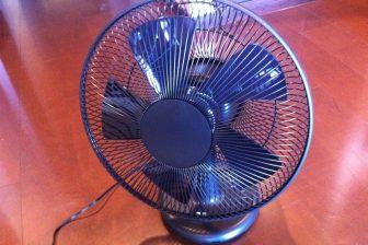 節電対策!お洒落な扇風機:プラスマイナスゼロ(±0)テーブルファン