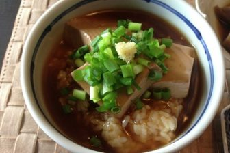 芋煮風おでん鍋の〆 餡かけ豆腐ご飯が美味