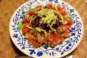 手作りサルサソースで美味しいタコライスをつくる