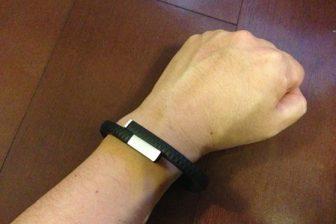 運動・睡眠・食事を記録するライフログガジェットUP by Jawboneを使ってみた
