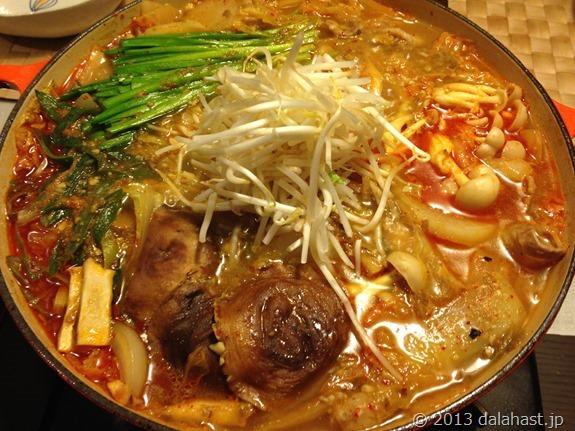 美味ゴボウ味噌であったか白菜キムチ鍋2