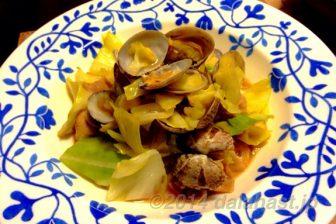 春香る、アサリと豚ばら肉のキャベツ炒め