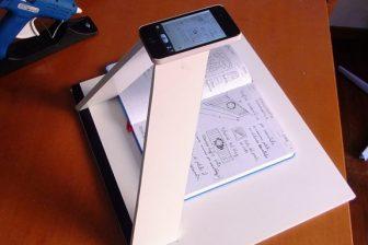 SnapLiteに対抗?DIYで簡単につくれるiPhone用のスキャナースタンド