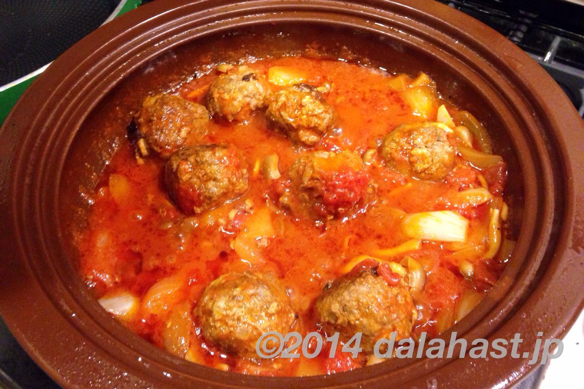タジン鍋でミートボールのトマト煮2