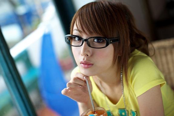 眼鏡女子2