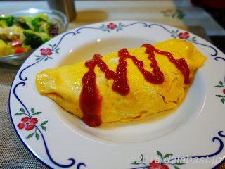 【基本レシピ】洋食屋のオムライスの作り方 卵がふわとろになるコツを伝授