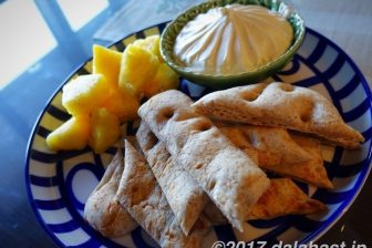 【おうちでナンスタイル】 デザート感覚でいただく、ブランナンのチーズクリーム&パイナップル添え