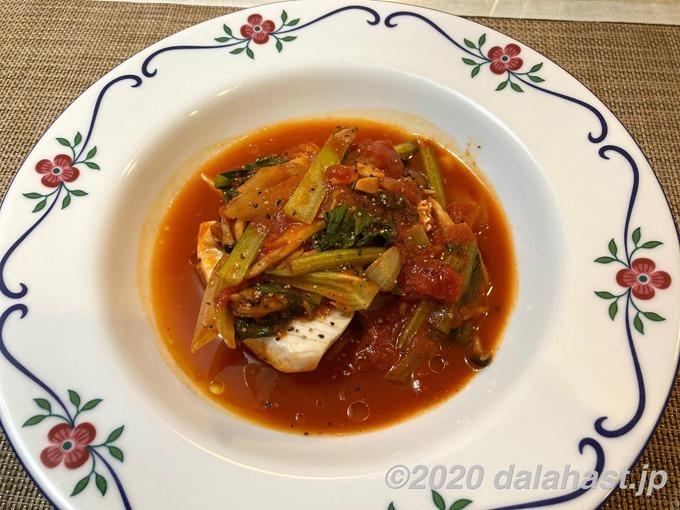 カジキとしめじのトマト蒸し煮